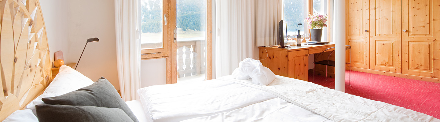 panorama suite mit 2 zimmer hotel albana hotel lodge thai engadine cuisine. Black Bedroom Furniture Sets. Home Design Ideas